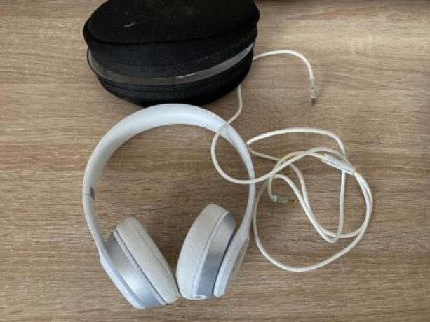 dr-dre-beats-solo-2-white-wired-big-0