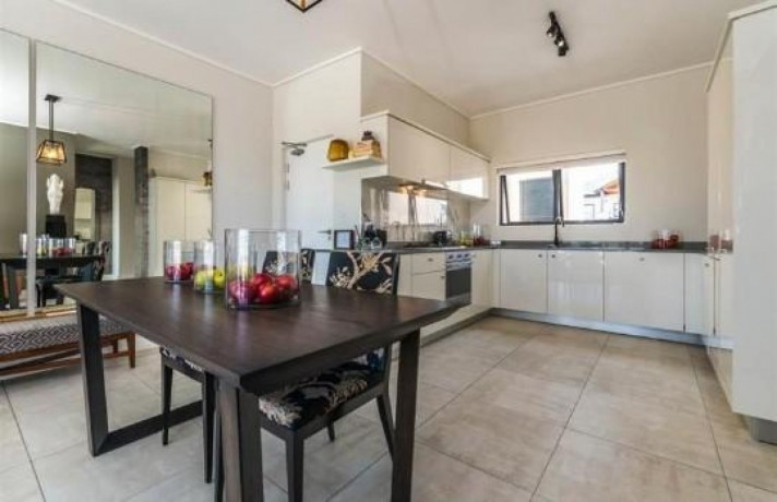 2-bed-apartment-in-midrand-big-5