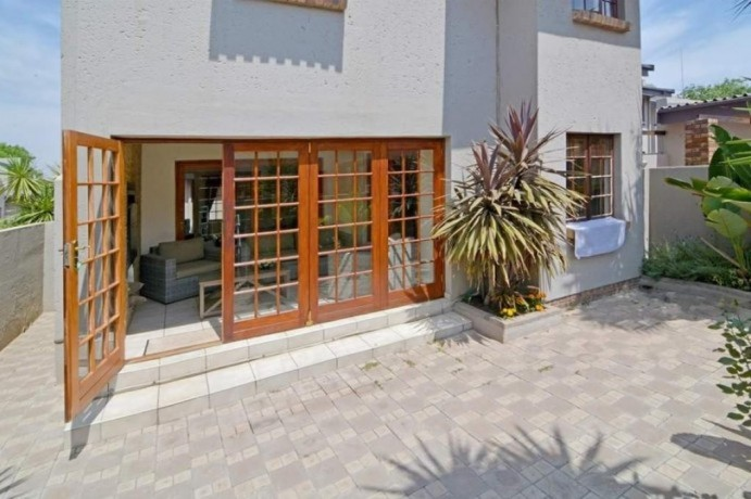 3-bedroom-townhouse-for-sale-in-blue-gill-estate-glen-marais-big-2