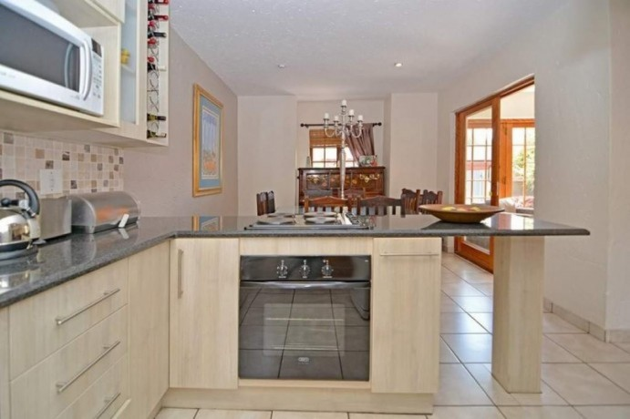 3-bedroom-townhouse-for-sale-in-blue-gill-estate-glen-marais-big-4