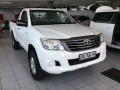 2010-toyota-hilux-25d-small-5