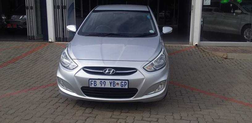 2016-hyundai-accent-16-fluid-auto-68000km-r159950-big-5