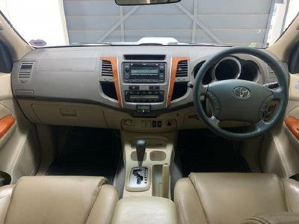 toyota-fortuner-30l-4x4-in-good-condition-big-2