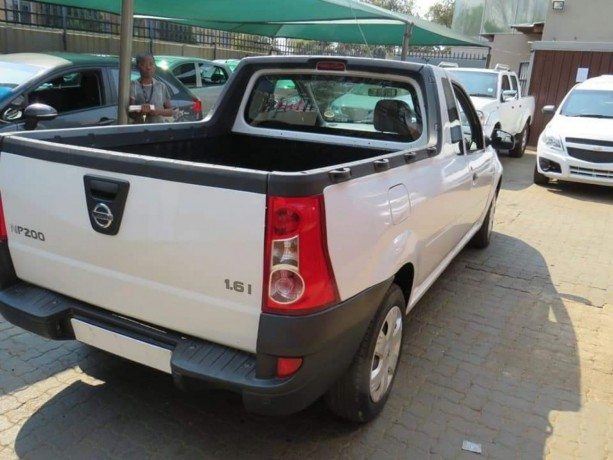2018-nissan-np200-1-6i-for-sale-accident-free-big-5