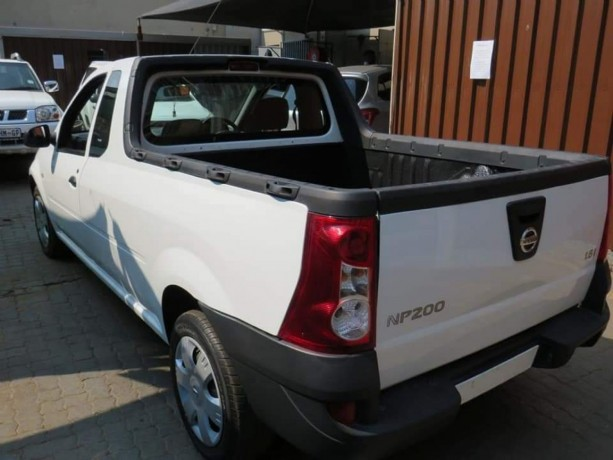 2018-nissan-np200-1-6i-for-sale-accident-free-big-2