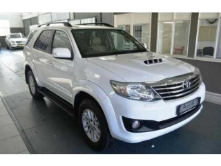 2013 TOYOTA FORTUNER  3.0l 4x4 IN GOOD CONDITION