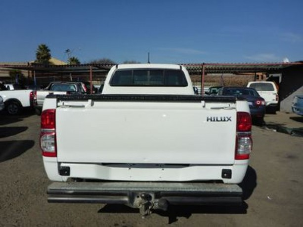 toyota-hilux-single-carb-25-d4-d-for-sale-in-good-condition-big-0