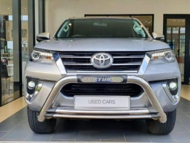 19-toyota-fortuner-28-gd-6-4x4-at-big-2