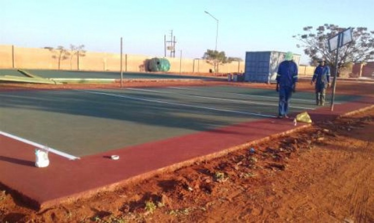 tennis-courts-surfacing-netball-courts-construction-big-0